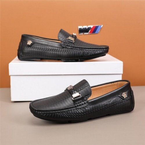 Versace Leather Shoes For Men #845399