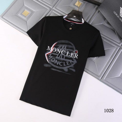 Moncler T-Shirts Short Sleeved For Men #845774