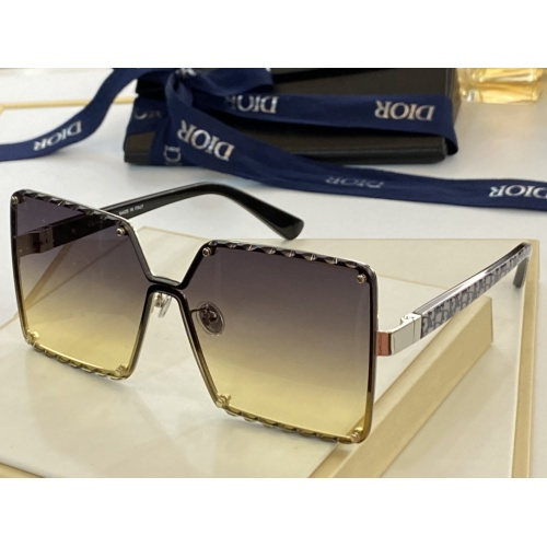 Christian Dior AAA Quality Sunglasses #846294