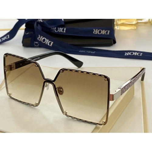 Christian Dior AAA Quality Sunglasses #846295