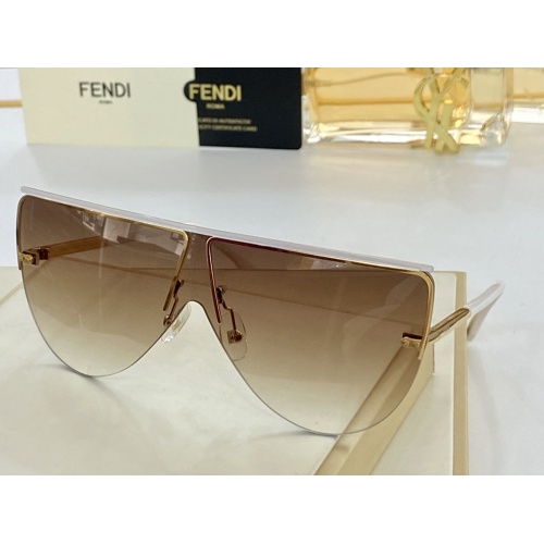 Fendi AAA Quality Sunglasses #846313