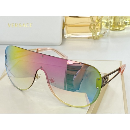 Versace AAA Quality Sunglasses #846397