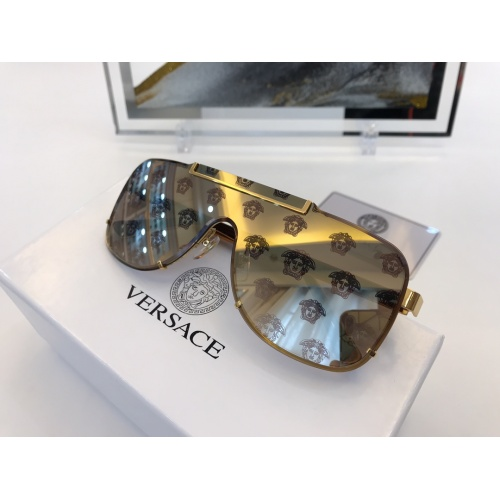 Versace AAA Quality Sunglasses #846458