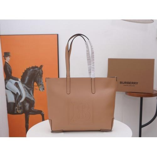 Burberry AAA Handbags For Women #846487