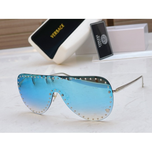 Versace AAA Quality Sunglasses #846555