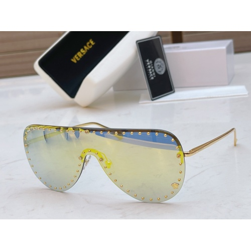 Versace AAA Quality Sunglasses #846556