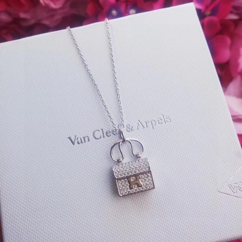 Van Cleef & Arpels Necklaces #846821