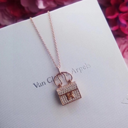 Van Cleef & Arpels Necklaces #846822