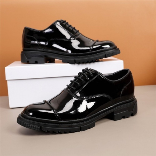 Versace Leather Shoes For Men #847762