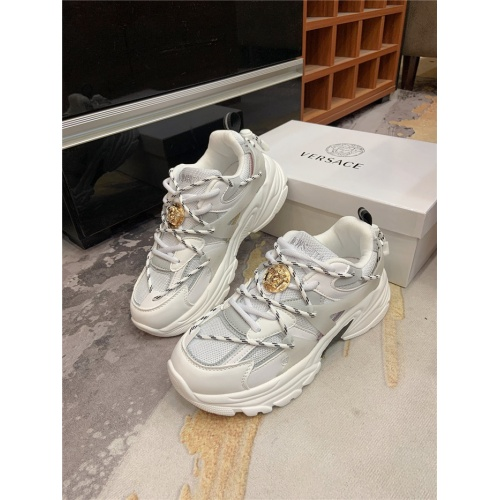 Versace Casual Shoes For Men #848073