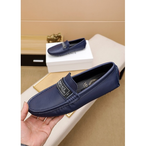 Versace Leather Shoes For Men #848128