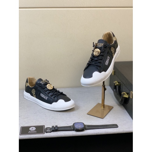 Versace Casual Shoes For Men #848133