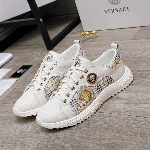 Versace Casual Shoes For Men #848139