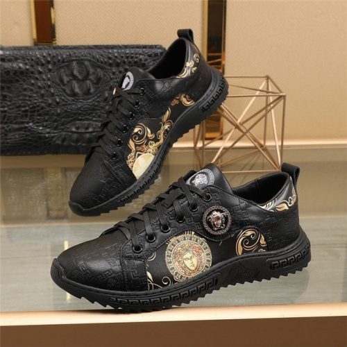 Versace Casual Shoes For Men #848165