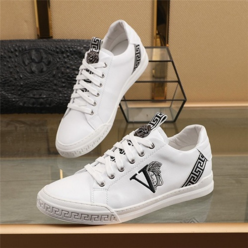 Versace Casual Shoes For Men #848167