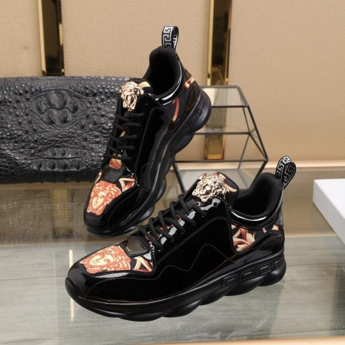 Versace Casual Shoes For Men #848230