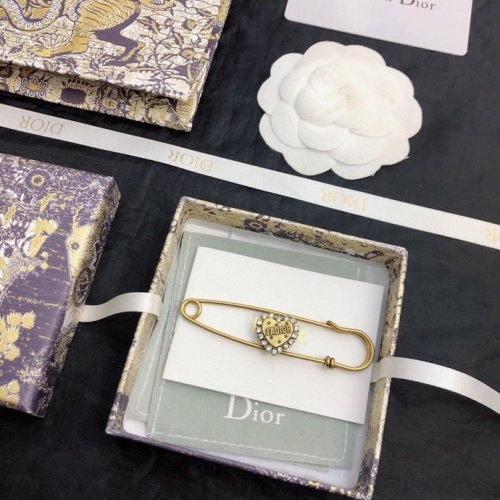 Christian Dior Brooches #849251