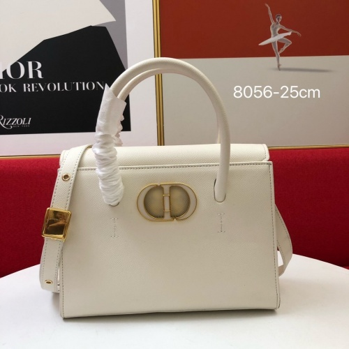 Christian Dior AAA Quality Messenger Bags For Women #849302