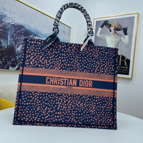 Christian Dior AAA Handbags For Women #849399