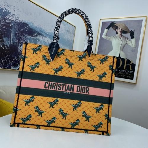 Christian Dior AAA Handbags For Women #849401