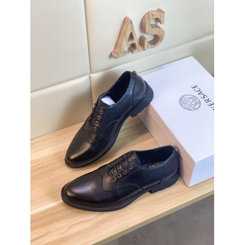 Versace Leather Shoes For Men #849694