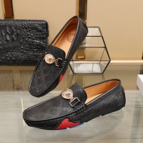 Versace Leather Shoes For Men #850799