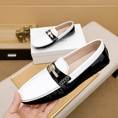 Versace Casual Shoes For Men #851014
