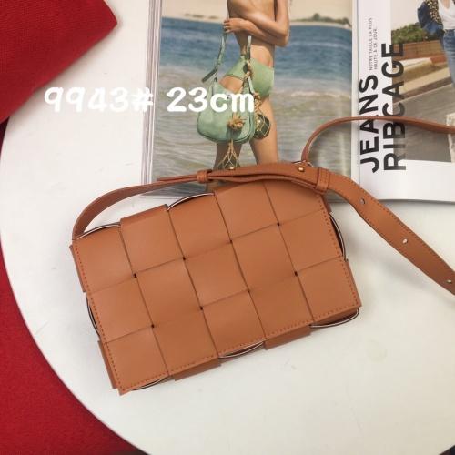 Bottega Veneta BV AAA Quality Messenger Bags For Women #851290