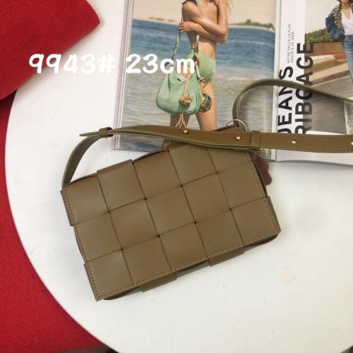 Bottega Veneta BV AAA Quality Messenger Bags For Women #851292