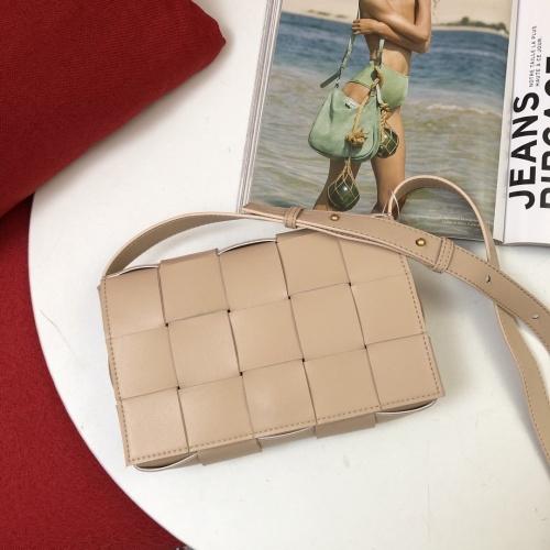 Bottega Veneta BV AAA Quality Messenger Bags For Women #851294