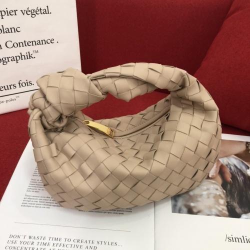 Bottega Veneta BV AAA Handbags For Women #851299