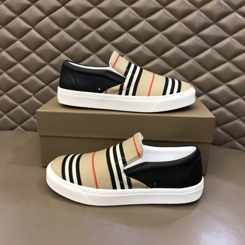 Burberry Casual Shoes For Men #851554