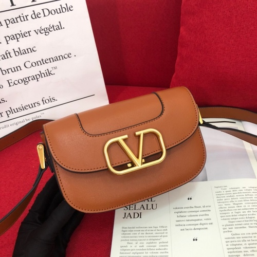 Valentino AAA Quality Messenger Bags For Women #851780