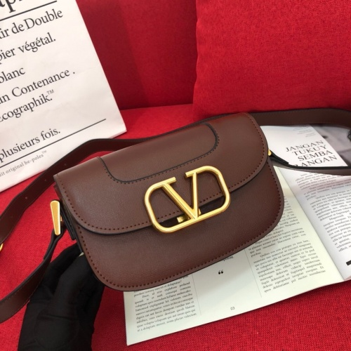 Valentino AAA Quality Messenger Bags For Women #851785