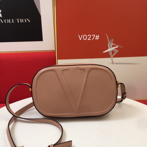 Valentino AAA Quality Messenger Bags For Women #851788