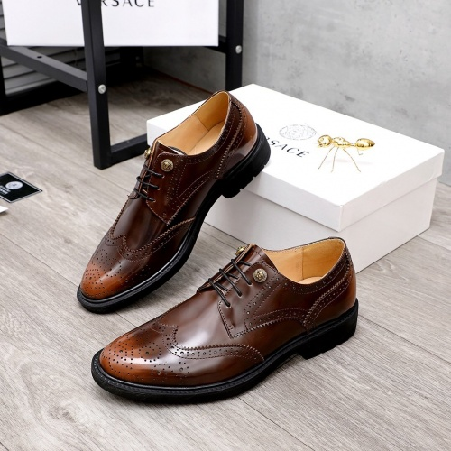 Versace Leather Shoes For Men #851869