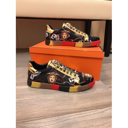 Versace Casual Shoes For Men #851871