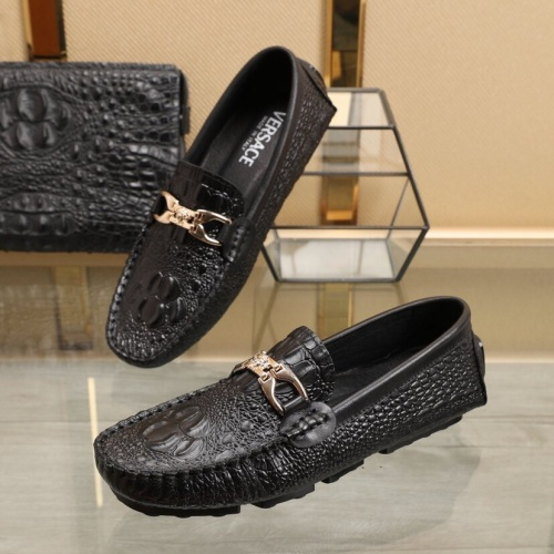 Versace Leather Shoes For Men #851899