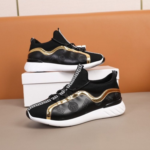 Versace Casual Shoes For Men #851936