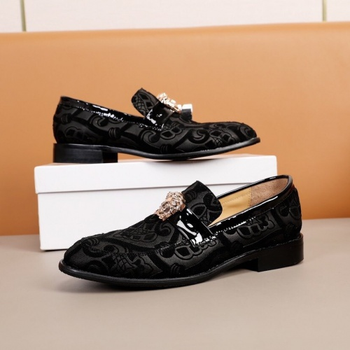 Versace Leather Shoes For Men #851938