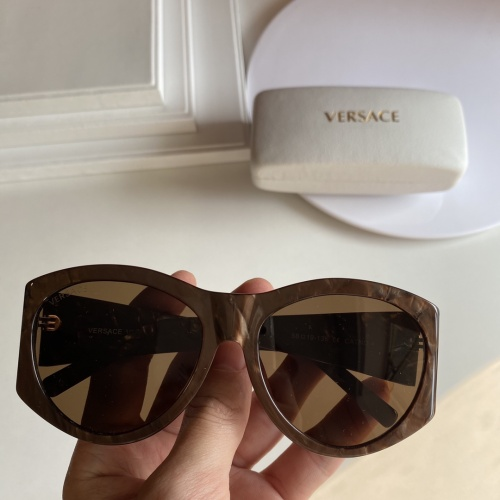 Versace AAA Quality Sunglasses #852248