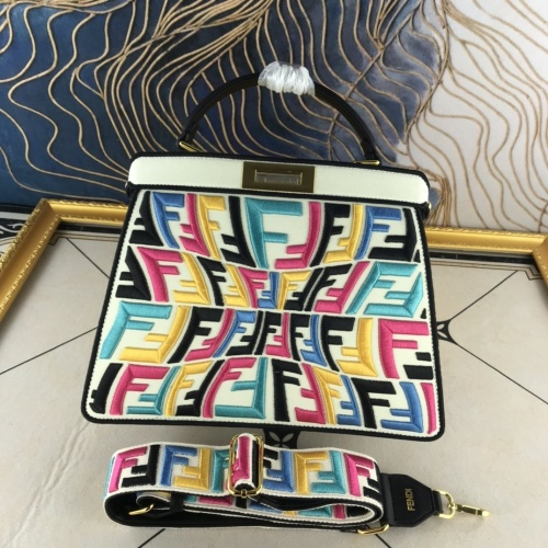 Fendi AAA Quality Handbags For Women #852256