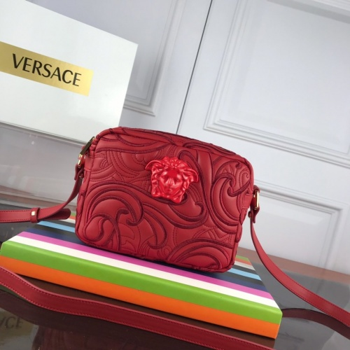 Versace AAA Quality Messenger Bags For Women #852363