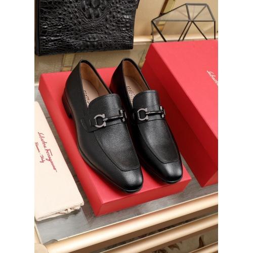 Ferragamo Leather Shoes For Men #852623