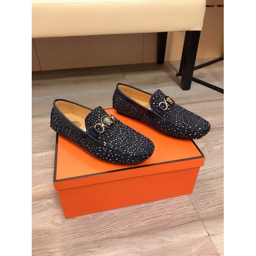 Versace Casual Shoes For Men #853591