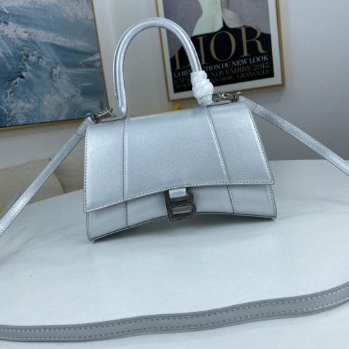Balenciaga AAA Quality Messenger Bags For Women #854288
