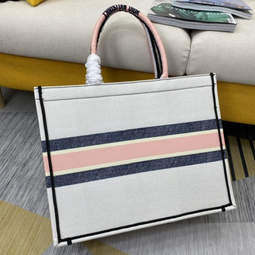 Replica Christian Dior AAA Handbags For Women #854302 $76.00 USD for Wholesale