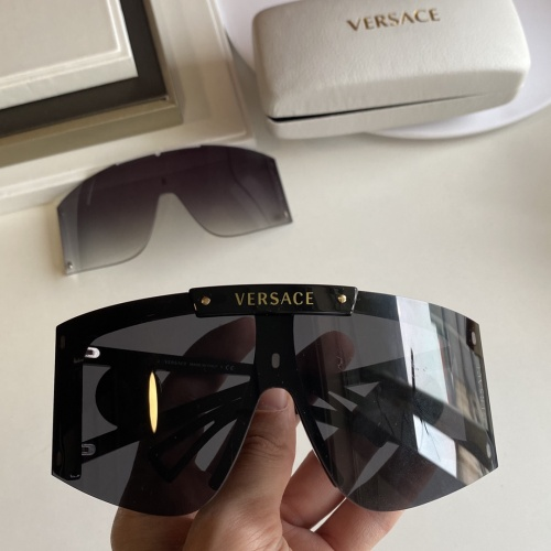 Versace AAA Quality Sunglasses #854351