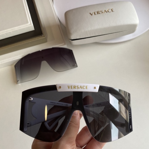 Versace AAA Quality Sunglasses #854353