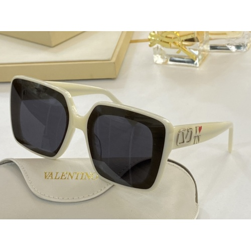 Valentino AAA Quality Sunglasses #854466